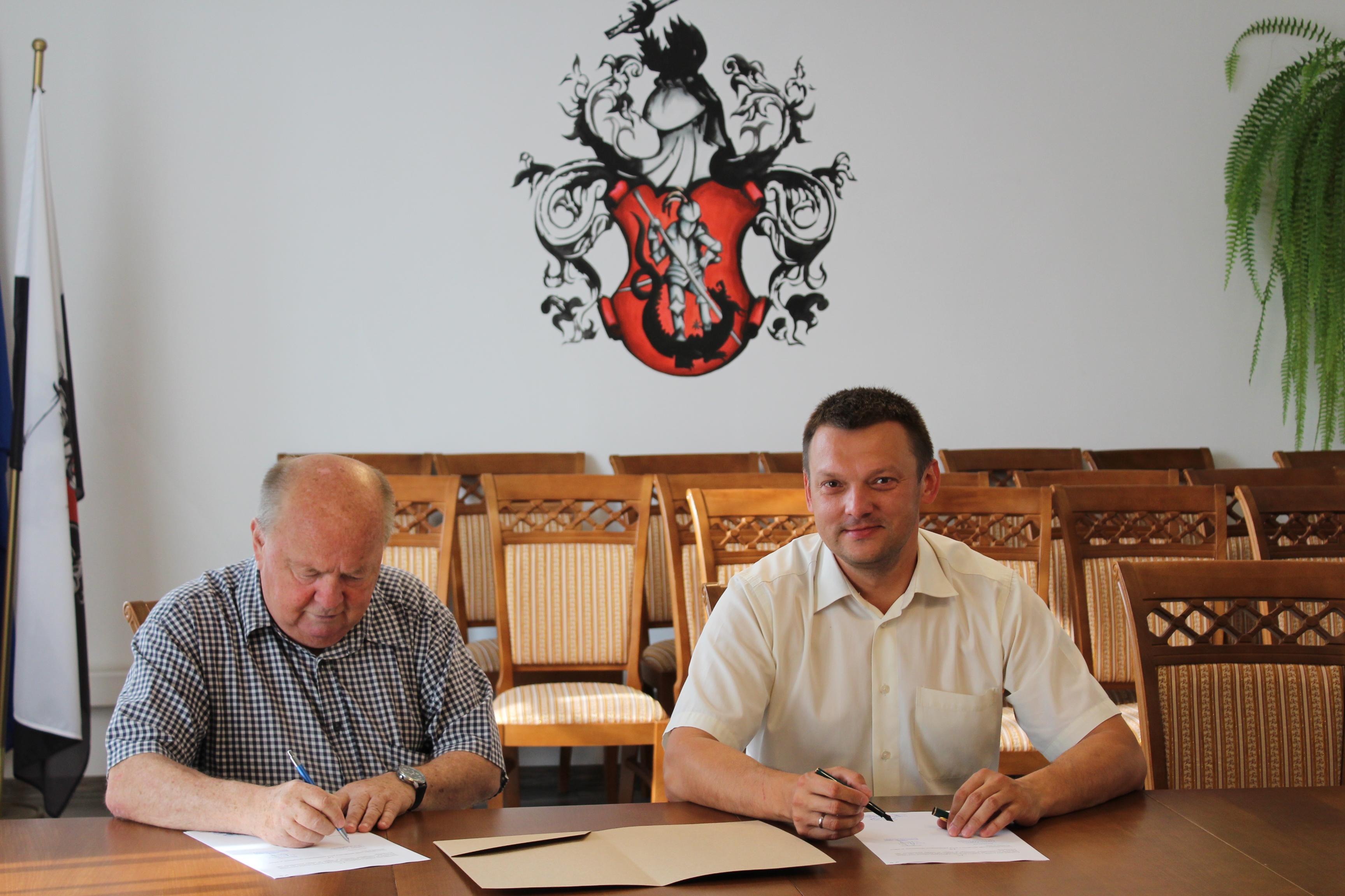 Podpisanie umów na realizację zadań
